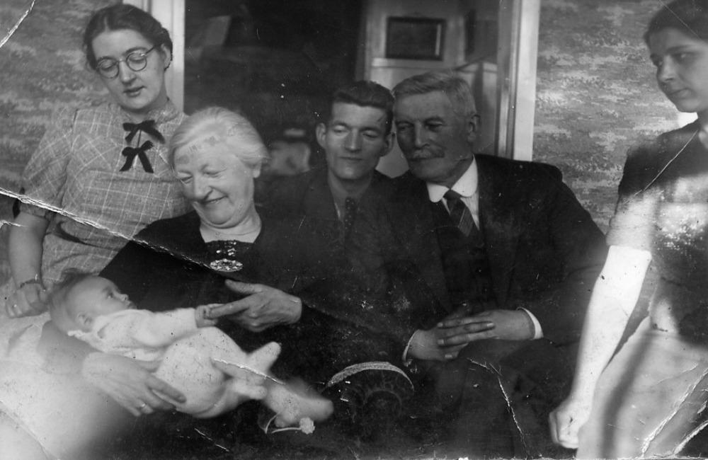 Tante Marro, Jan en opa en oma Oosterhoff en Jo