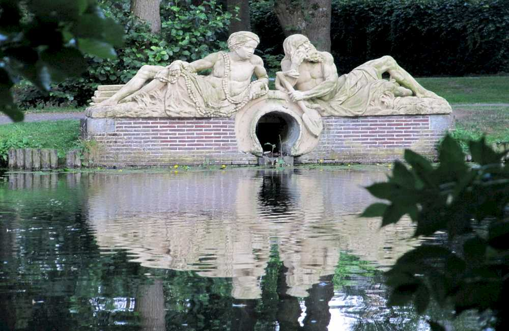 Zeist monuments